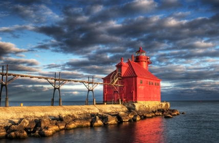 Sturgeon Bay Lighthouse Reflection & Spring Break Door County -