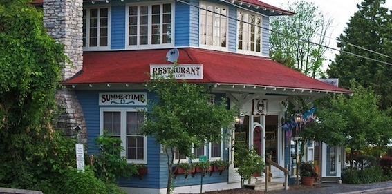 7 new door county restaurants to check out this spring for Fish creek wi restaurants